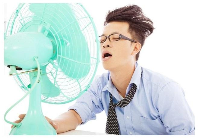 3 thói quen ai gần như ai cũng làm khi đi nắng về có thể gây ra hoạ lớn: Đừng coi thường! - Ảnh 1.