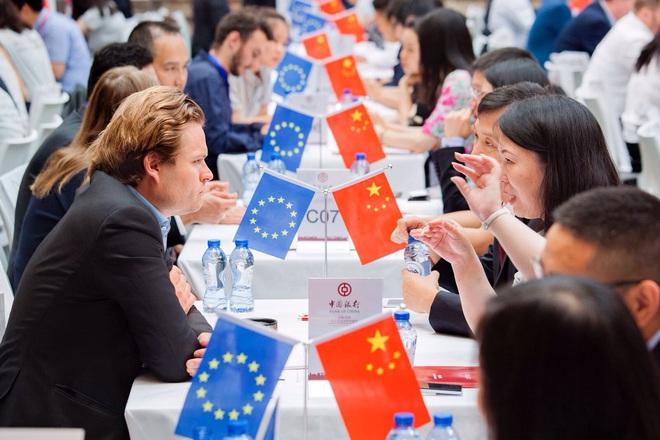 Dự luật an ninh Hồng Kông: Mỹ gọi, EU không đáp và lý do khiến EU không thể xuống tay với TQ - Ảnh 4.