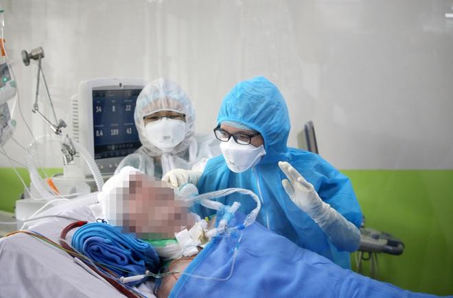 Đến giờ bố mẹ vẫn chưa biết tôi vừa tham gia điều trị thành công cho ca Covid-19 nặng nhất Việt Nam - Ảnh 9.