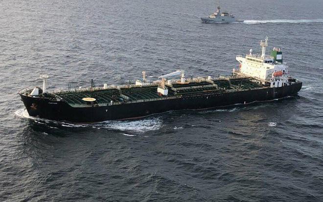 Vì sao Mỹ trơ mắt nhìn tàu dầu Iran thẳng tiến Venezuela: Ẩn số không ai ngờ từ Trung Quốc - Ảnh 2.