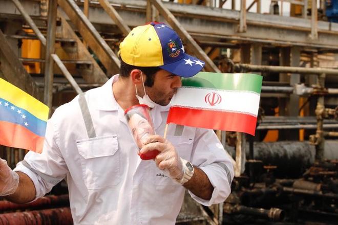Vì sao Mỹ trơ mắt nhìn tàu dầu Iran thẳng tiến Venezuela: Ẩn số không ai ngờ từ Trung Quốc - Ảnh 4.
