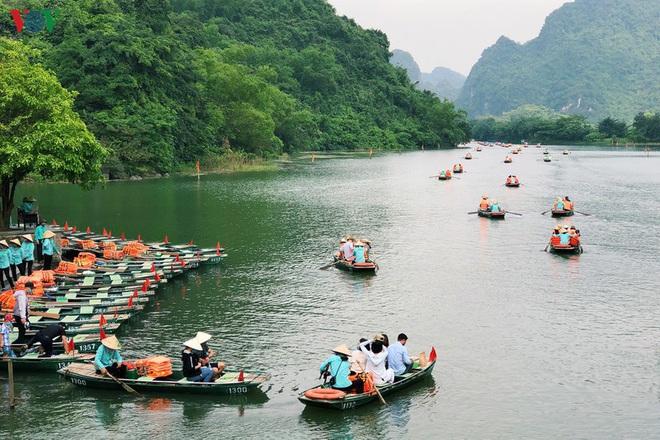Kích cầu du lịch nội địa, hướng đi của các công ty lữ hành Việt - Ảnh 1.