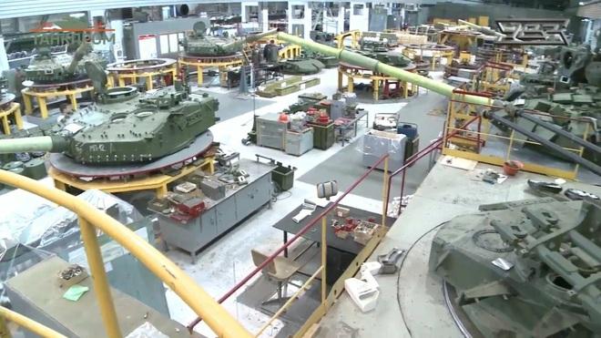 Biến ông lão T-72B thành siêu xe tăng T-90M: Người Nga có thể làm nên điều kỳ diệu? - Ảnh 4.