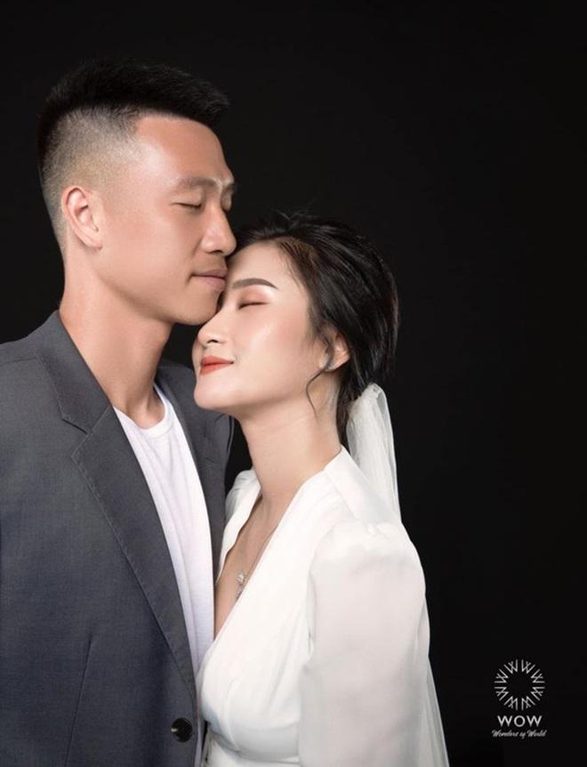 Bạn gái tiền vệ Nguyễn Huy Hùng khoe vòng 1 đầy táo bạo - Ảnh 3.