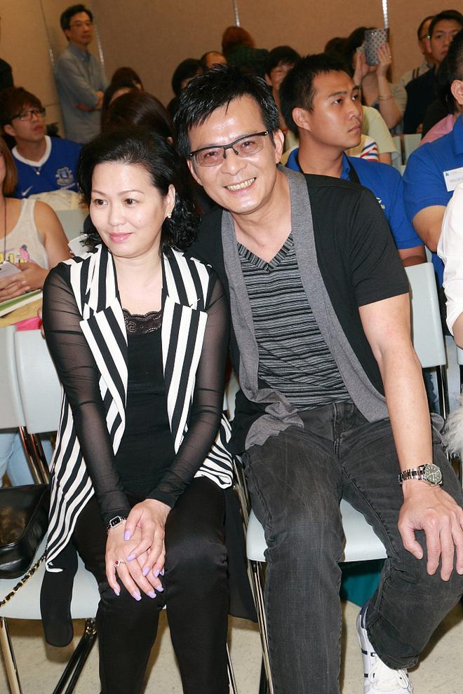 Kiều Phong Thiên long bát bộ: 30 năm hôn nhân và 7 năm ròng rã chạy chữa ung thư cho vợ - Ảnh 9.