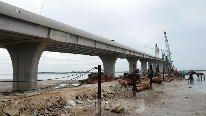 Khám phá cầu đường bộ dài nhất miền Trung nối Nghệ An và Hà Tĩnh - Ảnh 15.