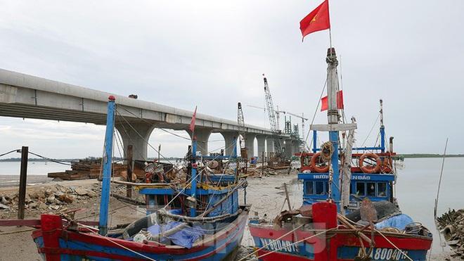 Khám phá cầu đường bộ dài nhất miền Trung nối Nghệ An và Hà Tĩnh - Ảnh 6.