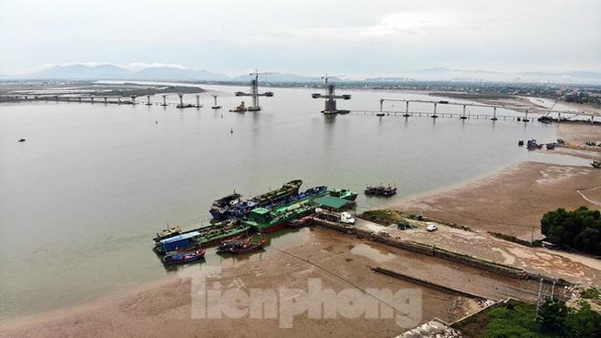Khám phá cầu đường bộ dài nhất miền Trung nối Nghệ An và Hà Tĩnh - Ảnh 8.