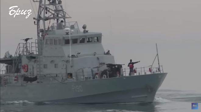 Mang tàu Mỹ ra dọa chiến hạm Nga trên Biển Đen, Ukraine điếc không sợ súng? - Ảnh 1.