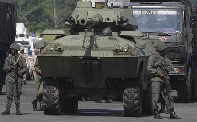 QĐ Venezuela báo động chiến đấu toàn lực lượng: Đập tan âm mưu đảo chính?