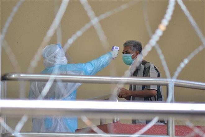 Tình hình COVID-19 tại ASEAN hết ngày 3/5: Toàn khối 48.616 người mắc bệnh, các nước từng bước nới lỏng biện pháp phòng dịch - Ảnh 1.