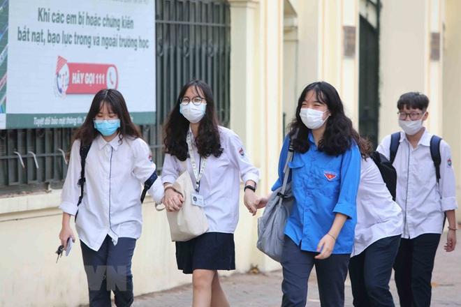 Bệnh nhân 271 từng dương tính trước khi bay sang Việt Nam; Diễn biến mới nhất về sức khoẻ 3 bệnh nhân mắc COVID-19 nặng - Ảnh 1.