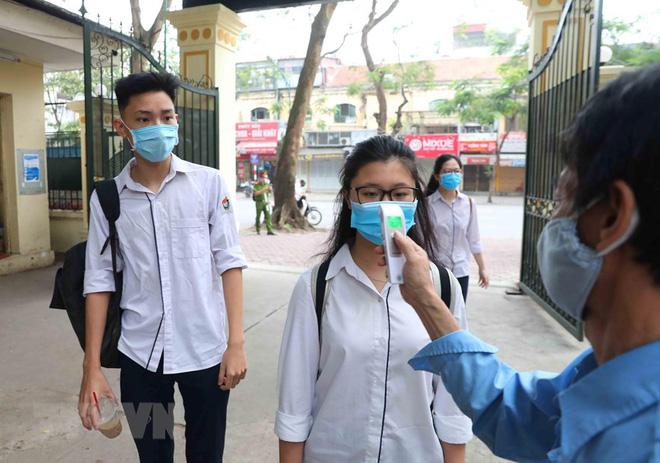 Bệnh nhân 271 từng dương tính trước khi bay sang Việt Nam; Diễn biến mới nhất về sức khoẻ 3 bệnh nhân mắc COVID-19 nặng - Ảnh 2.