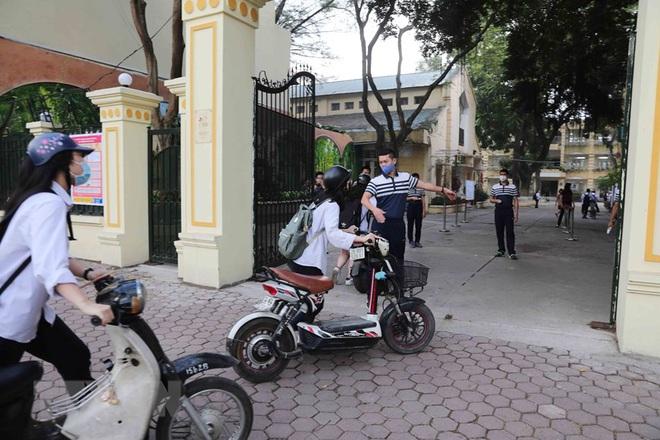 Bệnh nhân 271 từng dương tính trước khi bay sang Việt Nam; Diễn biến mới nhất về sức khoẻ 3 bệnh nhân mắc COVID-19 nặng - Ảnh 3.