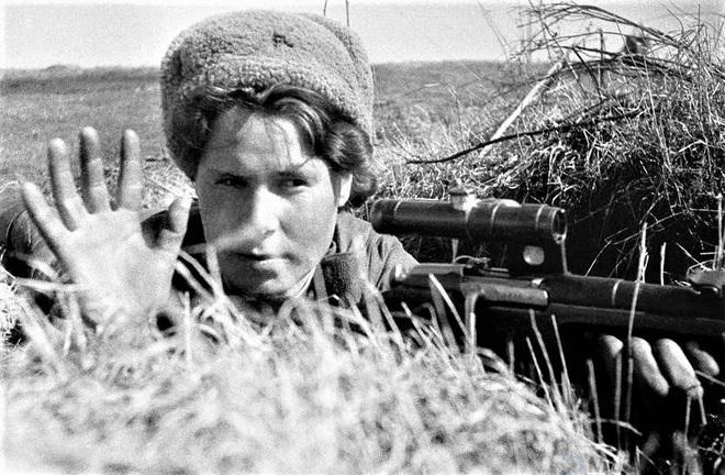 11 nữ xạ thủ bắn tỉa nguy hiểm nhất của Liên Xô - Ảnh 1.