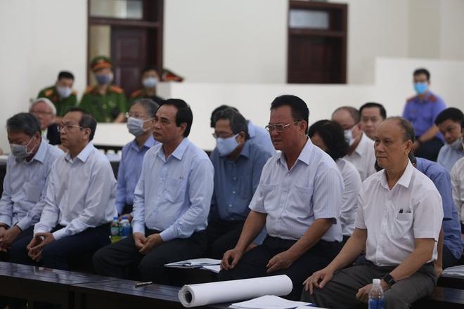 Hai cựu Chủ tịch Đà Nẵng Trần Văn Minh, Văn Hữu Chiến và Phan Văn Anh Vũ đều kêu oan - Ảnh 1.
