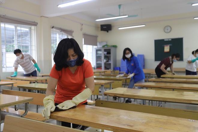 Hà Nội: Đảm bảo học sinh, sinh viên giữ khoảng cách khi đi học trở lại - Ảnh 3.