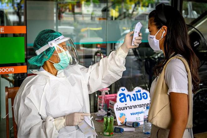 Tình hình COVID-19 tại ASEAN hết ngày 3/5: Toàn khối 48.616 người mắc bệnh, các nước từng bước nới lỏng biện pháp phòng dịch - Ảnh 3.