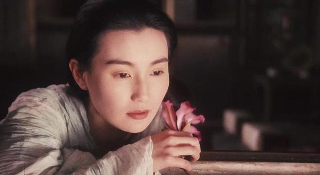Đệ nhất mỹ nhân Hong Kong Trương Mạn Ngọc: Tuổi U60 già nua, lập dị, không con cái - Ảnh 4.