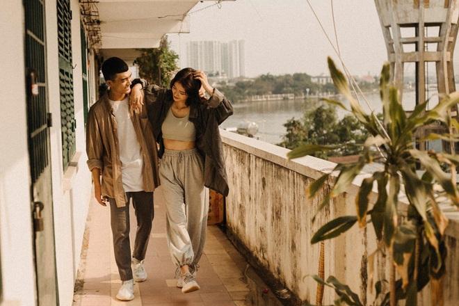 Cặp đôi chụp ảnh lãng mạn, nhưng nụ cười của cô bán cá lọt vào khung hình lại chiếm trọn spotlight - Ảnh 10.