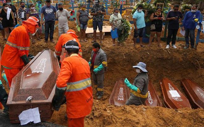 """Chiến lược """"thả tự nhiên"""" khiến Brazil thành ổ dịch lớn nhất Nam bán cầu"""