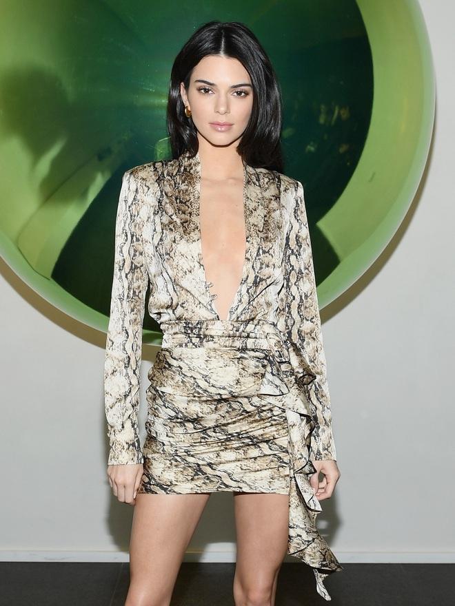 Kendall Jenner: Chân dài triệu đô đắt giá nhất nhì Hollywood và đời sống riêng tư gây sốc với lịch sử tình trường dài dằng dặc - Ảnh 1.