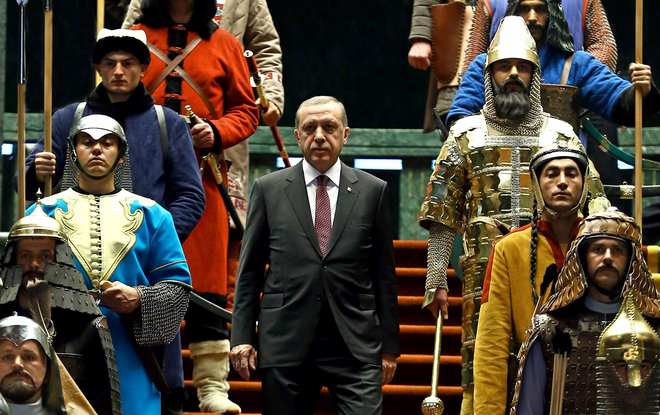 Muốn vẻ vang rút khỏi Syria đâu phải dễ, Thổ Nhĩ Kỳ phải trả cho bằng hết nợ máu với Nga - Ảnh 2.