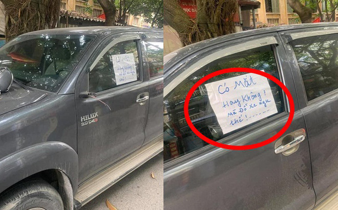 """Đỗ xe bên đường, tài xế tức giận khi bị vặt gương, đọc mẩu giấy trên kính lại """"đỏ mặt"""" xấu hổ"""