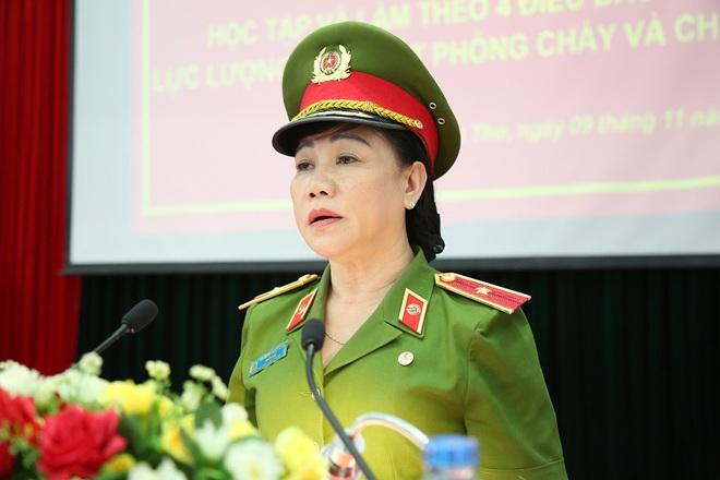 Chân dung Cô Sáu Đẹp - nữ Trung tướng đầu tiên trong ngành công an - Ảnh 2.