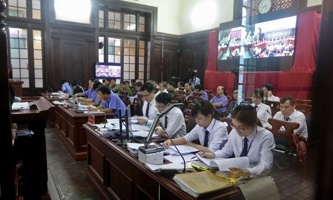 [Ảnh] Bên trong phiên tòa giám đốc thẩm vụ án Hồ Duy Hải, kỳ án kéo dài 10 năm chưa có hồi kết - Ảnh 10.
