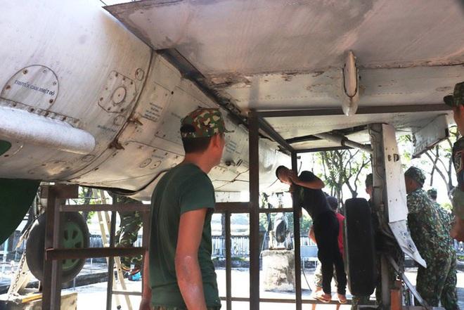 Mục kích quân đội tháo rời máy bay tại Huế chuyển về bảo tàng - Ảnh 17.
