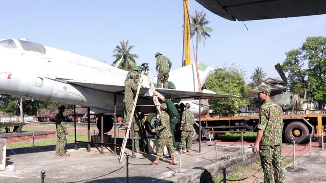 Mục kích quân đội tháo rời máy bay tại Huế chuyển về bảo tàng - Ảnh 3.