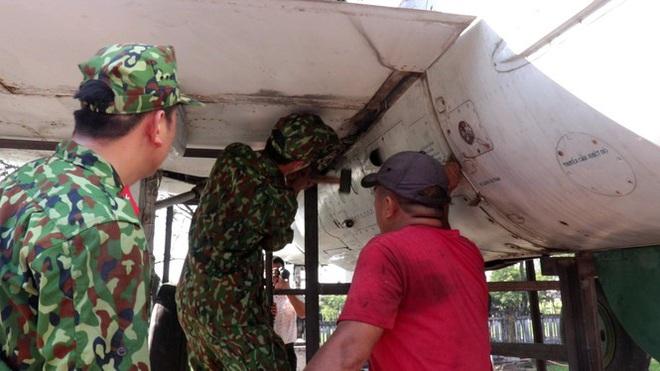 Mục kích quân đội tháo rời máy bay tại Huế chuyển về bảo tàng - Ảnh 4.