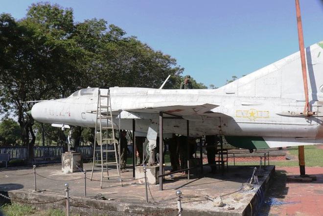 Mục kích quân đội tháo rời máy bay tại Huế chuyển về bảo tàng - Ảnh 10.