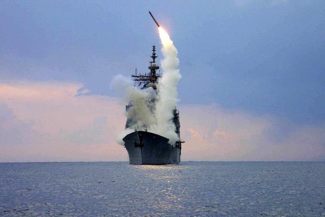 Mỹ chế tạo tên lửa mới cực kỳ lợi hại: Tiêu diệt gọn tàu chiến Trung Quốc trên Biển Đông - Ảnh 1.