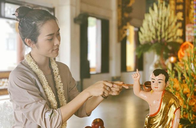Diệp Bảo Ngọc góp sức làm thiện nguyện trong ngày Phật Đản - Ảnh 1.
