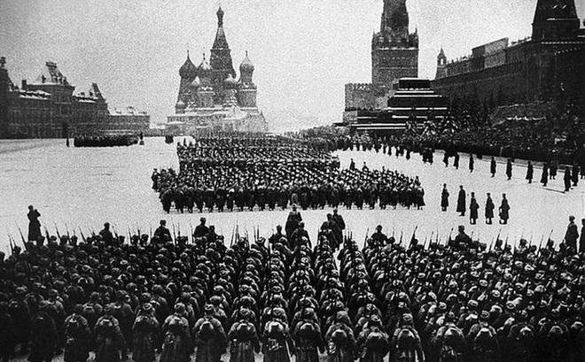 Kỷ niệm 75 năm Ngày chiến thắng phát xít Đức: Người Nga nhớ về cuộc duyệt binh huyền thoại