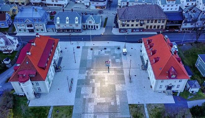 Thị trấn ảm đạm 5 tháng trong năm không thấy mặt trời ở Na Uy - Ảnh 1.