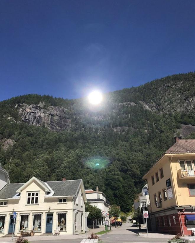 Thị trấn ảm đạm 5 tháng trong năm không thấy mặt trời ở Na Uy - Ảnh 6.
