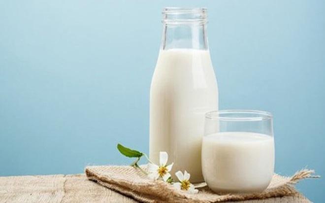 Uống nhiều sữa có tốt hay không? - Ảnh 1.