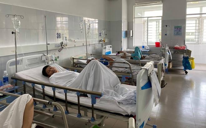 Ngộ độc thực phẩm, hơn trăm người ở Đà Nẵng cùng nhập viện