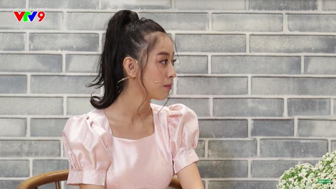 MC Tấn An nói về vợ kém 14 tuổi: Đi diễn về, tôi phải dọn dẹp, giặt đồ, cơm nước cho vợ, vợ không làm gì hết - Ảnh 5.