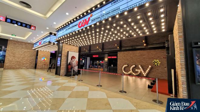 Rạp chiếu phim ở Hà Nội làm điều chưa từng trong ngày đầu mở cửa trở lại mùa Covid-19 - Ảnh 8.