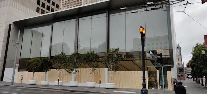 Bị đập phá và cướp bóc, Apple tạm thời đóng cửa phần lớn các cửa hàng bán lẻ tại Mỹ - Ảnh 5.