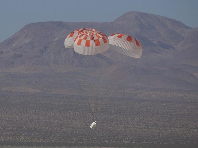 Đây là nỗi lo lớn nhất của Elon Musk dù SpaceX vừa đưa con người lên vũ trụ thành công - Ảnh 3.