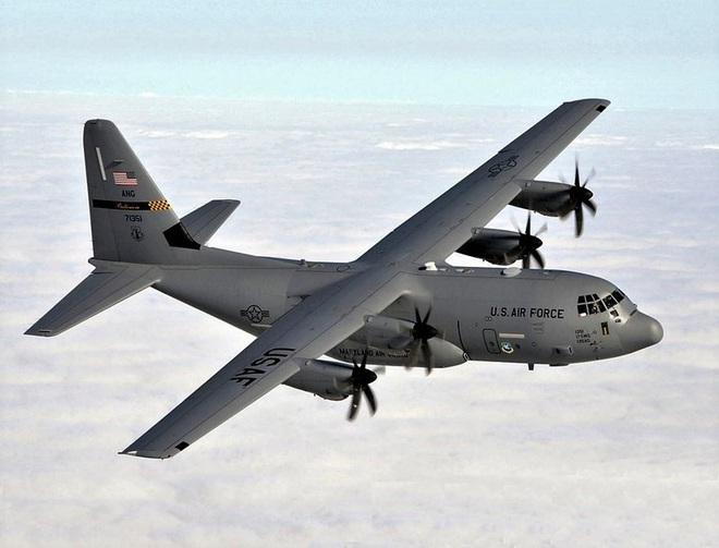 Mỹ cải tiến máy bay vận tải thành máy bay chiến đấu - ảnh 1