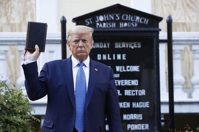 Tổng thống Trump nổi giận với thông tin tránh xuống hầm ngầm - Ảnh 1.