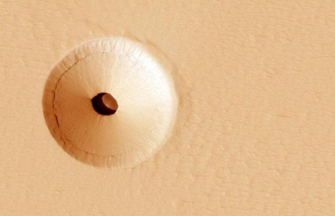 Những hình ảnh kỳ lạ nhất, qúy hiếm nhất từ trước đến nay bắt được trên sao Hỏa - Ảnh 3.