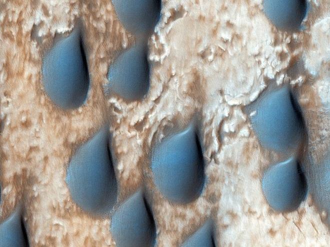 Những hình ảnh kỳ lạ nhất, qúy hiếm nhất từ trước đến nay bắt được trên sao Hỏa - Ảnh 7.