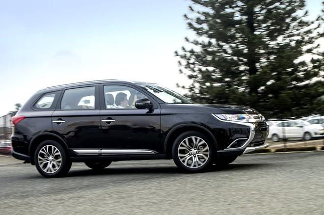 Cận cảnh mẫu ô tô Mitsubishi xả kho, giá giảm mạnh, thấp chưa từng có tại Việt Nam - Ảnh 10.
